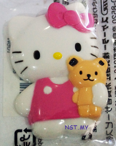 Hello kitty and Bear Magnet - Click Image to Close