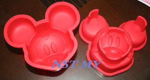 Japan Import Mickey Cake/Jelly/Mooncake/Rice Mould Set of 2